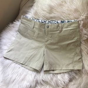 Athleta shorts, khaki, pockets, logo on back